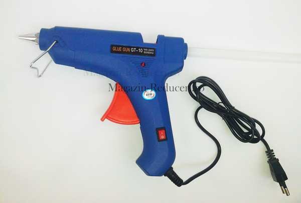 Pistolul de lipit cu silicon